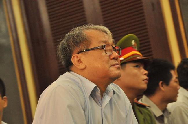 Hình ảnh Phạm Công Danh, Phan Thành Mai và các bị cáo tại phiên tòa phúc thẩm 27/12