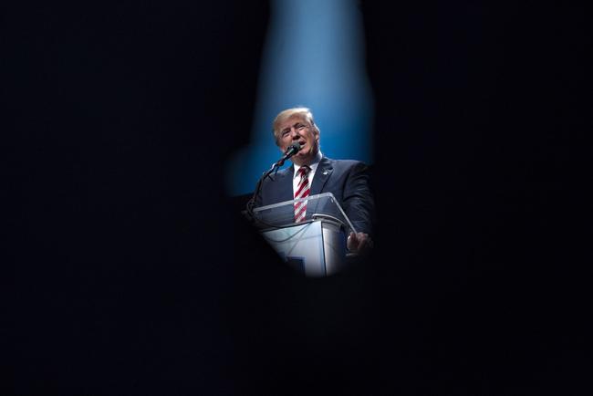 New York Times tố Donald Trump trốn thuế suốt 18 năm