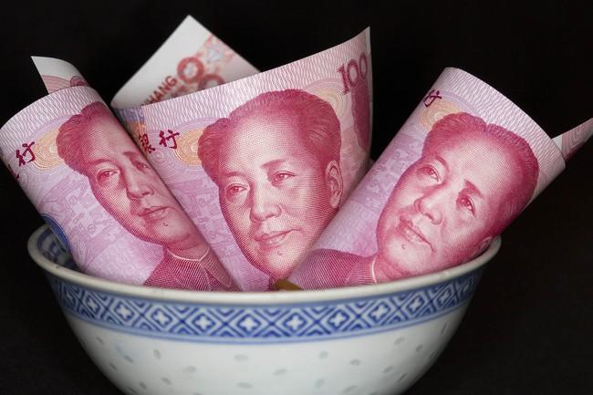 """""""Cơn lũ tiền"""" từ Trung Quốc khiến chứng khoán Hồng Kông dậy sóng"""
