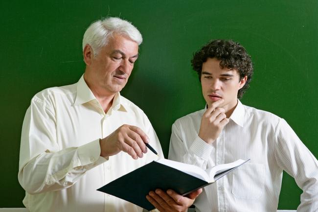 9 bí quyết giúp bạn hòa hợp khi làm việc với nhiều lứa tuổi từ già tới trẻ