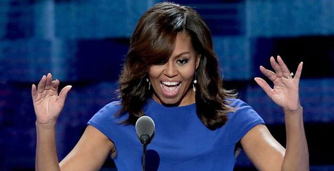 """Đệ nhất phu nhân Michelle Obama làm gì khi bị gọi là """"người đàn bà da đen xấu xí"""""""