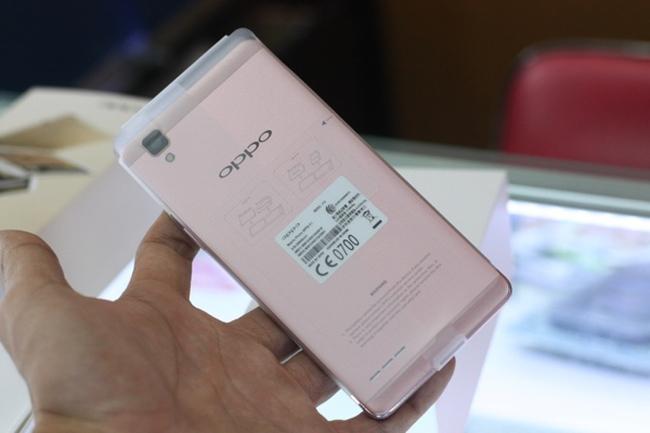Oppo Việt Nam bất ngờ thông báo thu hồi điện thoại Oppo do FPT phân phối