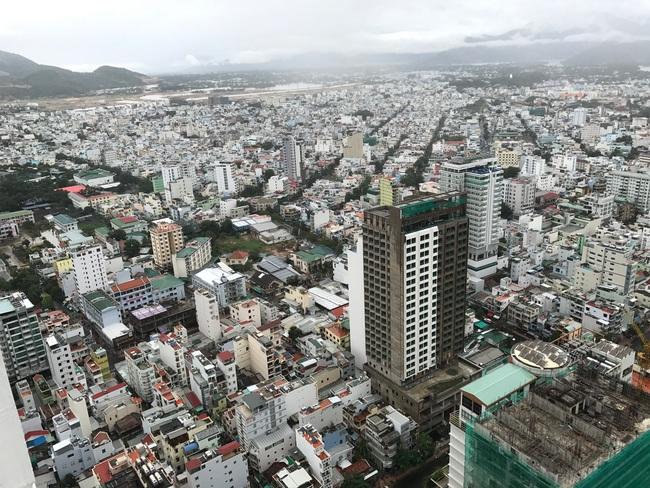 Hàng trăm dự án nghỉ dưỡng mọc lên, hạ tầng giao thông Nha Trang đang quá tải