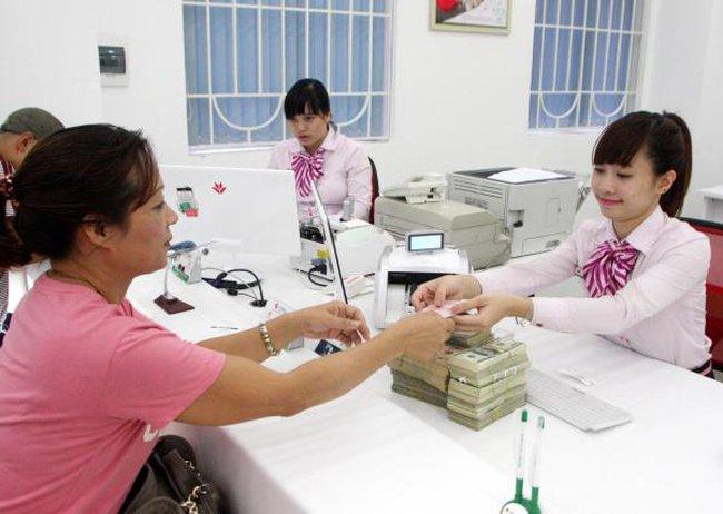 """Tăng trưởng tín dụng: Đừng để """"bỏng tay"""""""