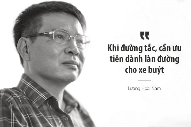 """Tiến sĩ Lương Hoài Nam: Xe buýt và xe máy không thể """"chung sống hòa bình"""" trên một làn đường, hãy chọn một thứ thôi!"""
