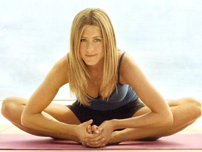 Yoga đốt cháy chất béo, hồi phục chấn thương, thậm chí cai nghiện cho sao Hollywood
