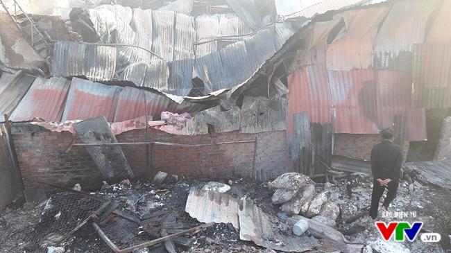 Khung cảnh hoang tàn sau vụ cháy tại khu công nghiệp La Phù, Hà Nội