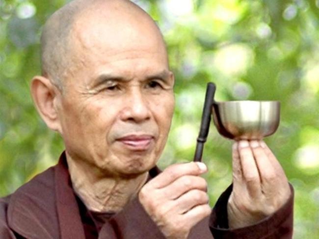 """Thiền sư Thích Nhất Hạnh: """"Con người có quá nhiều tham, ái, sân si - đau khổ vì không biết xử lý vấn đề của mình"""""""