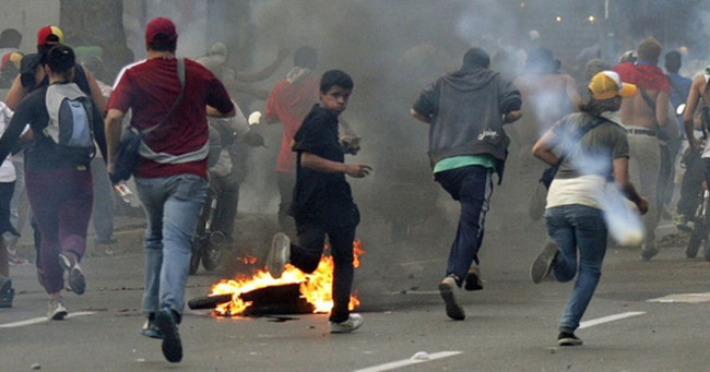 Khủng hoảng đổi tiền, Venezuela bắt giữ các đối tượng cướp bóc