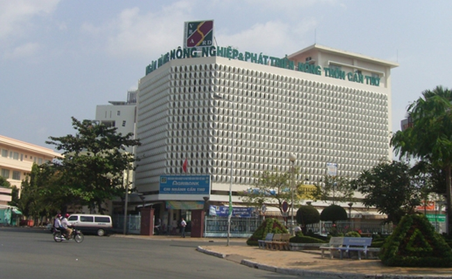Bắt tạm giam Trưởng phòng tín dụng Agribank Cần Thơ vì ký giải ngân cho doanh nghiệp lừa đảo