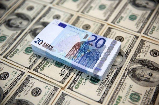 Nhờ Donald Trump, USD đang tăng giá kỷ lục so với euro