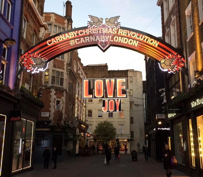 Ngắm London hoa lệ trong ngày lễ Giáng sinh xưa và nay