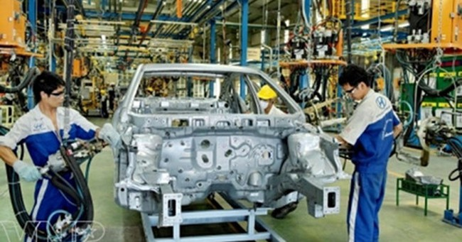 ĐBQH: Đưa sản xuất, nhập khẩu ô tô vào kinh doanh có điều kiện