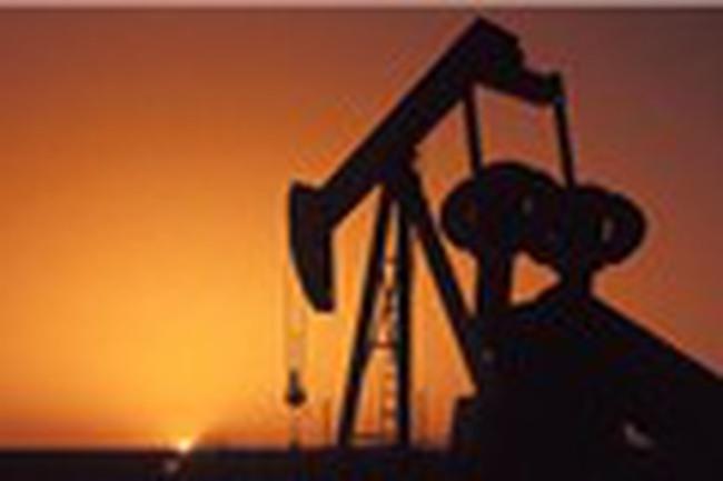 Giá dầu WTI vượt 52 USD/thùng nhờ dự báo lưu trữ giảm mạnh