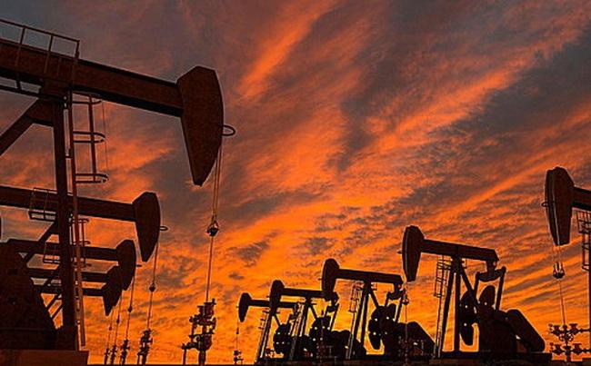 Giá dầu giảm mạnh nhất trong 1 tháng