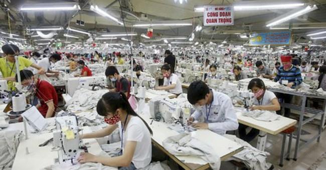 Khi nào dệt may xuất khẩu của Việt Nam 'thoát kiếp gia công'?