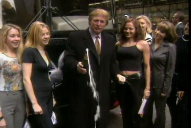Tỷ phú Donald Trump bị phát giác từng đóng phim... khiêu dâm