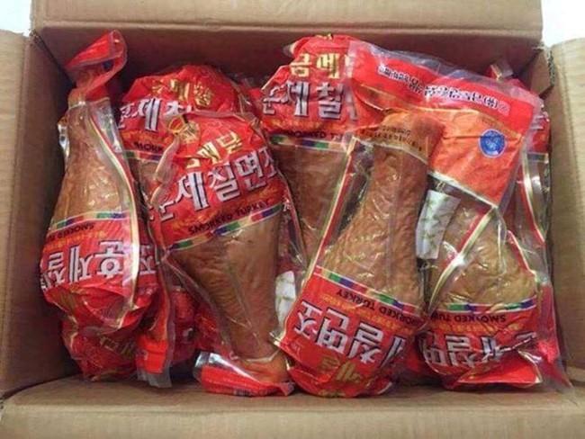 """Đùi gà khủng nặng 1 kg có giá 250.000 đồng/chiếc """"cháy hàng"""" ở Hà Nội"""