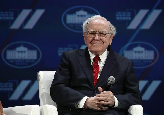 Warren Buffett giành lại vị trí giàu thứ 2 thế giới nhờ Donald Trump thắng cử