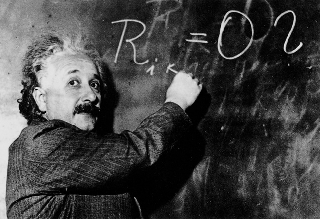 """Albert Einstein nói """"Trước 30 tuổi mà không cống hiến gì cho khoa học thì chớ mơ mộng thêm"""": Đừng buồn, nghiên cứu cho kết quả ngược lại!"""