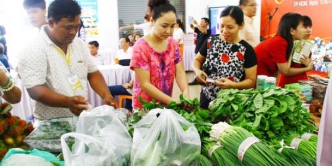 Chưa cận tết, rau quả, thực phẩm đã tăng giá