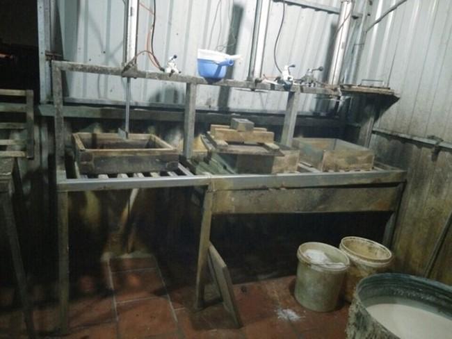 Phát hiện cơ sở sản xuất đậu hũ bằng thạch cao