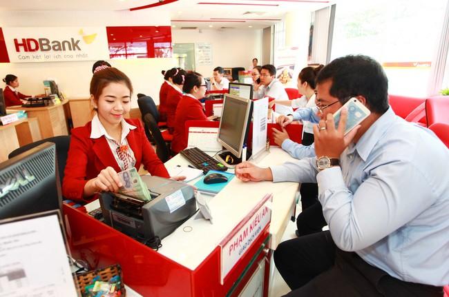 Tin vui cho doanh nghiệp: Ngân hàng bắt đầu hạ lãi suất cho vay