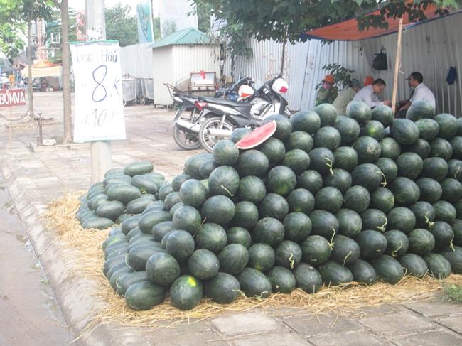 Hoa quả vỉa hè: Có thật xuất xứ trong nước?