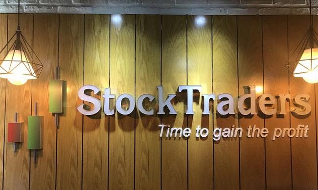 """CEO StockTraders: """"Hiệu quả làm việc sẽ tăng lên nếu sử dụng phần mềm phân tích trong đầu tư chứng khoán"""""""