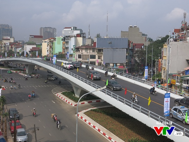 Cận cảnh cây cầu vượt dầm thép 166 tỷ thông xe