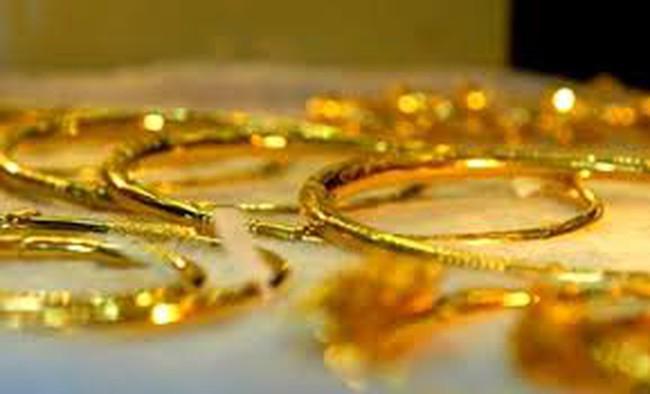 Nghịch lý giá vàng còn tiếp diễn đến bao giờ?