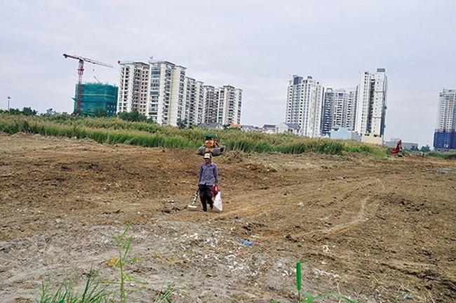 Hà Nội: Có khuất tất trong việc thu hồi đất của người dân giao cho doanh nghiệp?