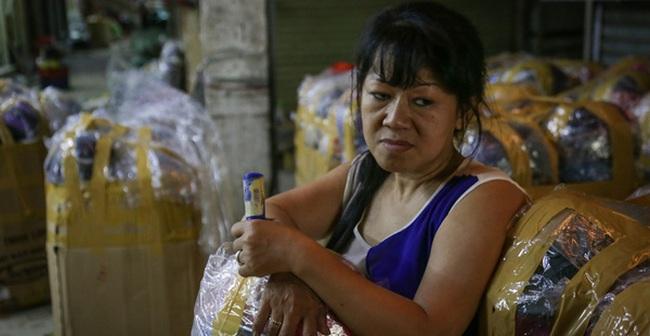 Chợ Lớn tạm ngưng hoạt động 1 năm, các tiểu thương cuối cùng buồn bã dọn hàng