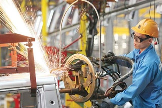 """HSBC: Kinh tế Việt Nam đã tăng tốc nhưng """"về đích cuối năm"""" là một thách thức"""