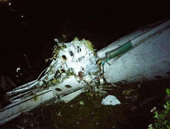 Máy bay chở 81 người vừa rơi ở Colombia