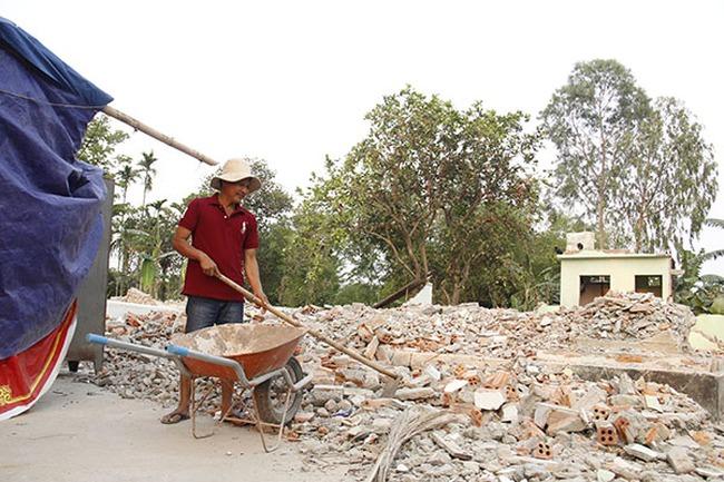 Bốc thăm đất tái định cư cho 12 hộ dân 'đập nhà'
