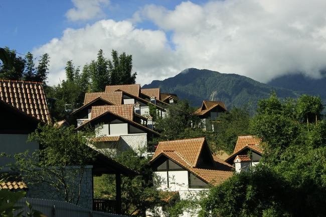 Giá nhà đất vùng núi này tăng gấp đôi lên tới 300 triệu đồng/m2, đắt ngang trung tâm Thủ đô, đây là lý do