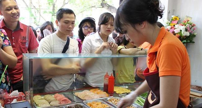 Vua đầu bếp Minh Nhật: So sánh bánh mì của tôi với bánh mì ven đường là quá khập khiễng