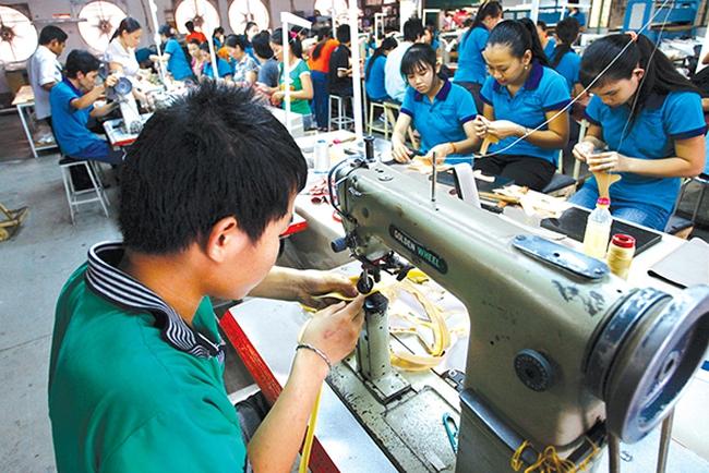 Chính phủ lý giải nguyên nhân Việt Nam tụt hạng năng lực cạnh tranh toàn cầu