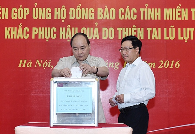 Thủ tướng, Phó Thủ tướng quyên góp ủng hộ đồng bào miền Trung