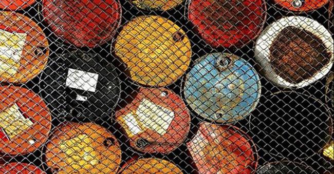 """800.000 thùng dầu """"mất tích"""" đi đâu mỗi ngày trong suốt 1 năm?"""