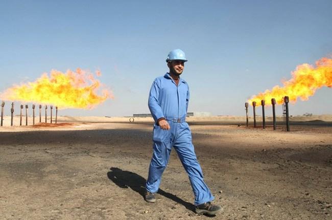 Giá dầu thế giới đi xuống do mối lo về tình trạng dư cung