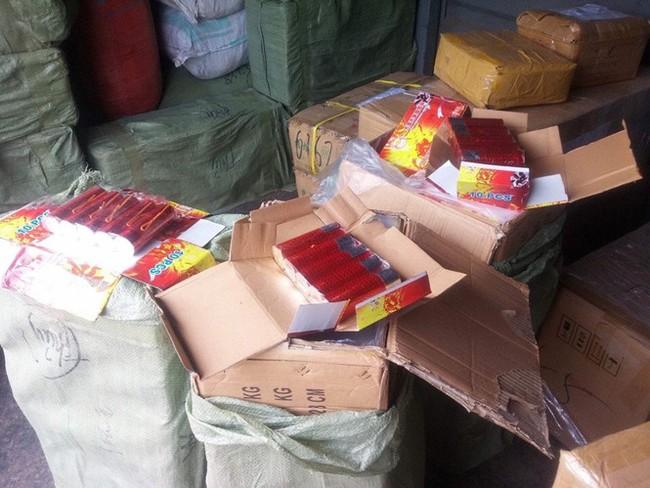 Phát hiện hàng chục tấn hàng lậu được vận chuyển bằng tàu hoả