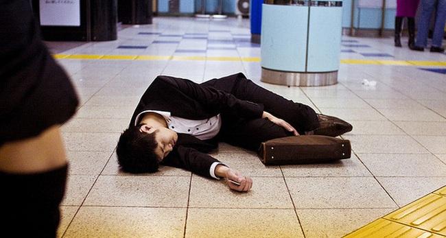 Khoảng 1/5 lao động Nhật Bản sẽ đột tử do quá chăm chỉ