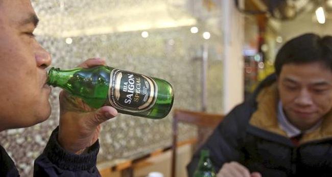 Báo Nhật: Nhờ nhậu tốt, Việt Nam đang trở thành chiến trường của các hãng bia hàng đầu thế giới