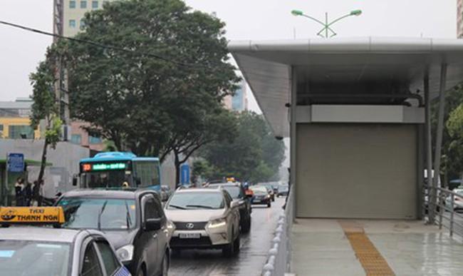 Khi buýt nhanh vận hành: Lo ngại ùn tắc thêm