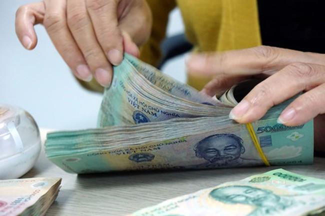 Tiền lương ngày nghỉ Tết Dương lịch và Âm lịch được tính thế nào?