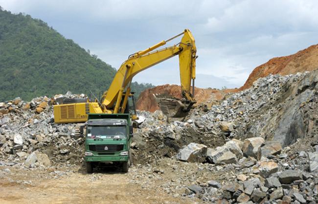 Cổ phiếu DHM giảm sâu, Chủ tịch Khoáng sản Dương Hiếu đăng ký mua vào 2 triệu cổ phiếu