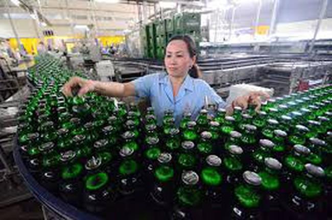 """Bán sạch 3,4 tỷ lít bia, ông chủ ngành bia """"rung đùi"""" thu lợi nhuận"""