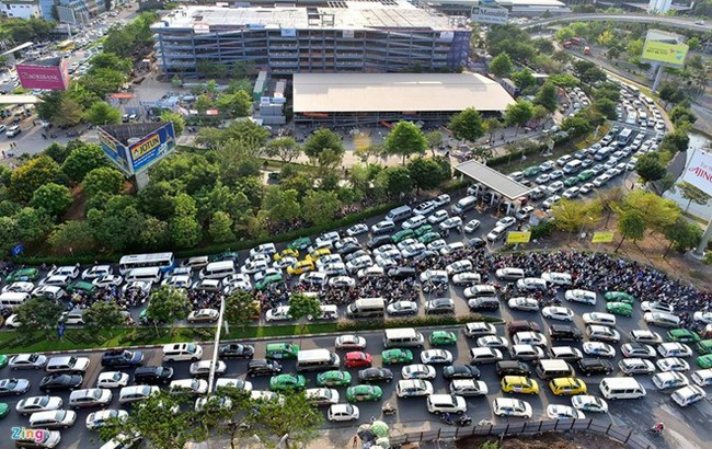 TPHCM kiến nghị xây 2 cầu vượt thép giải cứu ùn tắc ở sân bay Tân Sơn Nhất